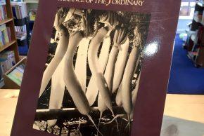 リンダ・バトラー写真集「RURAL JAPAN」、寺山修司/落田洋子「だれが子猫を切り抜いた?」、ますむらひろし宮沢賢治シリーズ、レシピやソーイングの本など